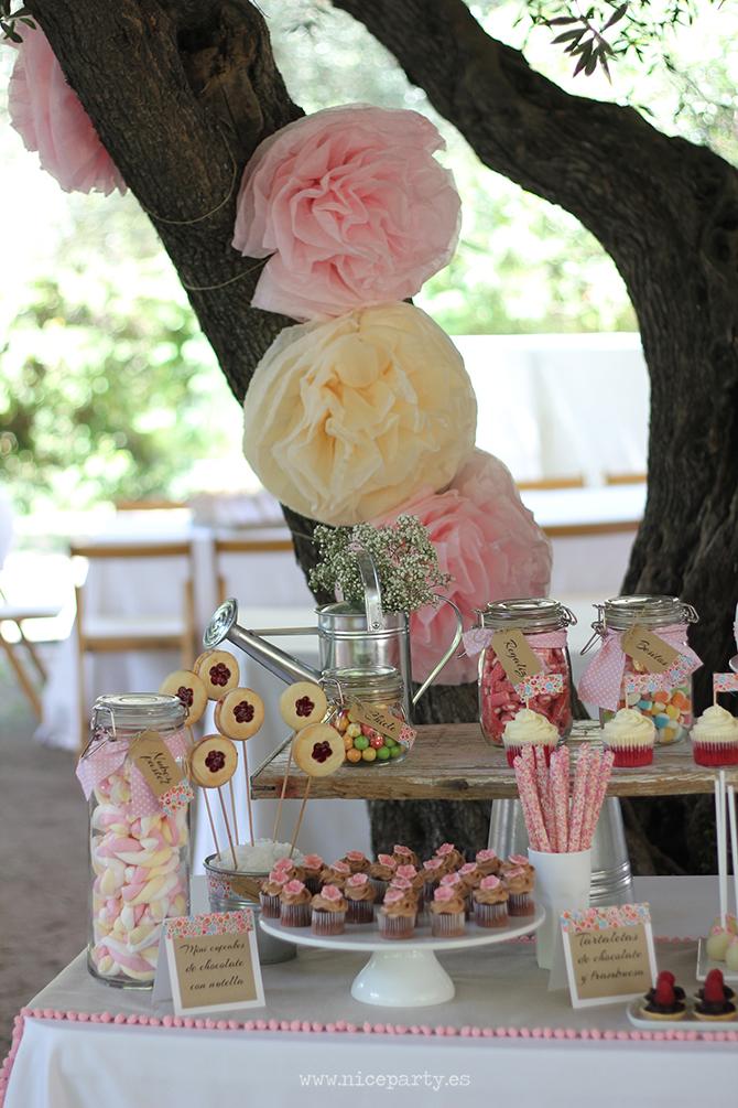 Nice Party Comunión rústica en color rosa- Mesa de dulces